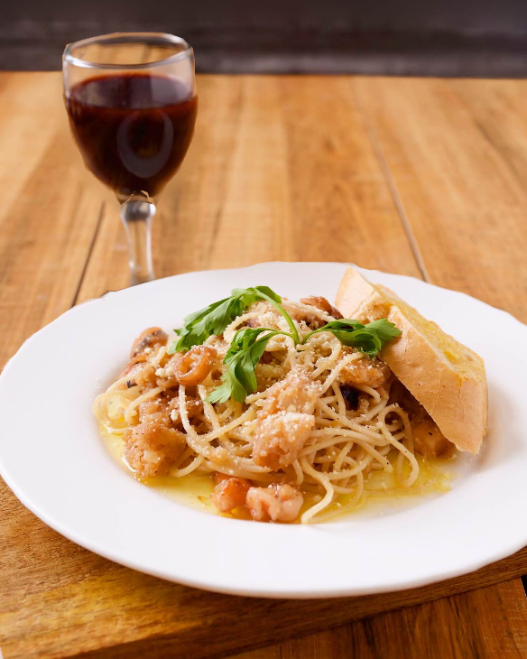 sweet inspiration oil based seafood pasta
