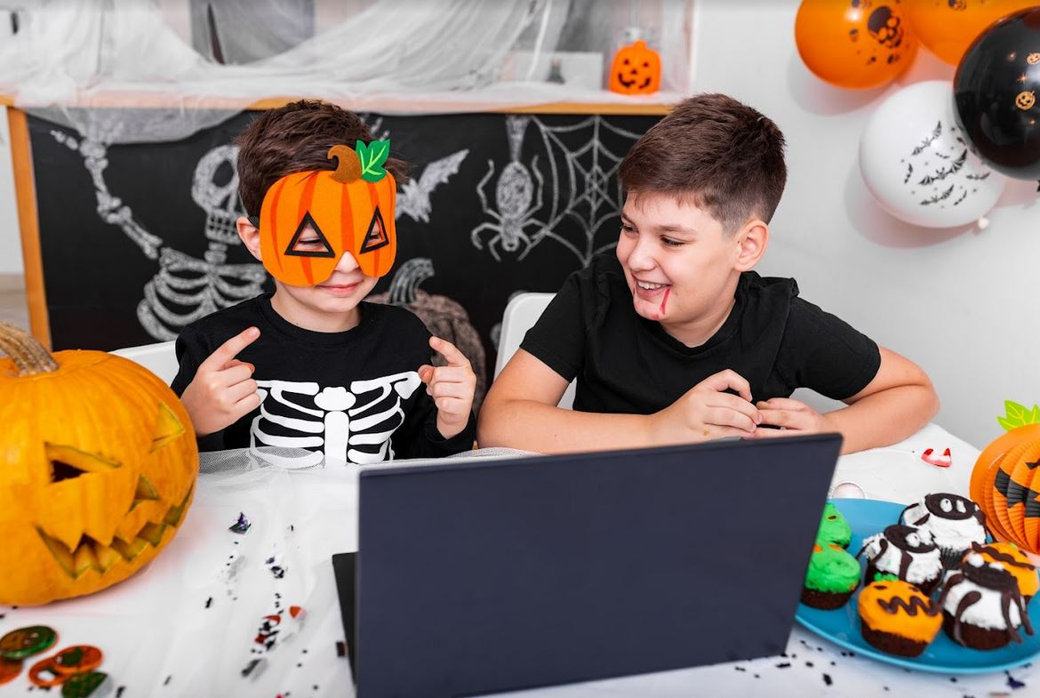 Howl-O-Ween: Little Monsters Virtual Party